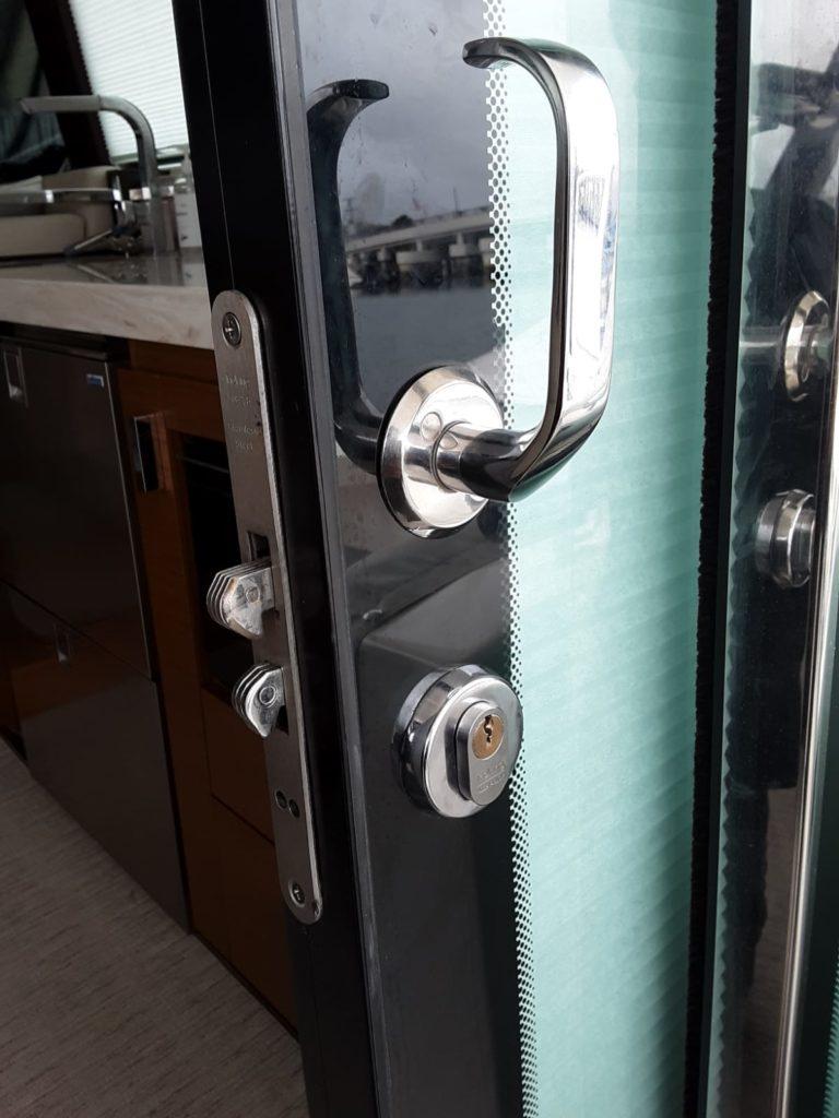 Boat Locksmith, Coastal Locksmith Inc, locksmith, mobile locksmith, Newport Beach Locksmith, corona del mar, orange county, local locksmith, locksmith service, change lock, boat lock, boat key, locksmith near me,